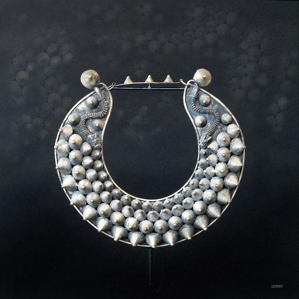 "Collier ""Silver Miao"" III"